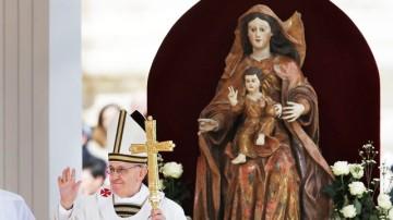 ap_vatican_communion_2_dm_130319_wg