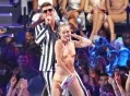 http://www.eonline.com/news/452313/miley-cyrus-vma-performance-see-taylor-swift-rihanna-one-direction-and-more-stars-reactions