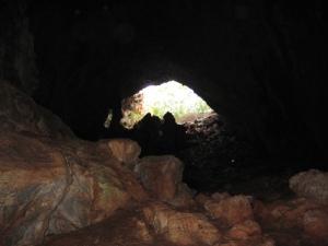 skoteino cave
