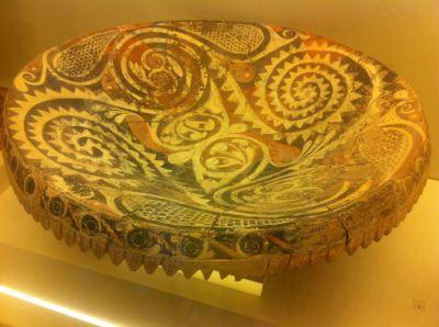 kamares bowl