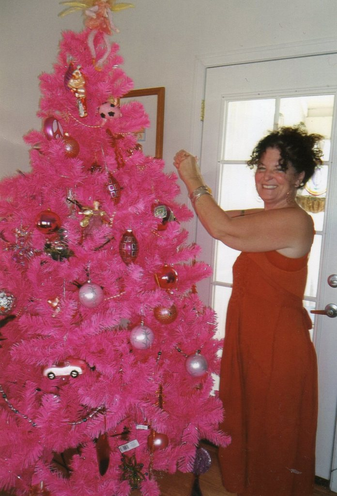 Marie & the Pink Christmas Tree