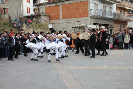 Musicians and 'Tsoliades' ritual dancers in Monastiraki (photo: Lenka Harmon)