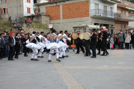 Musicians and 'Tsoliades' ritual dancers in Monastiraki (photo: Lenka Harmon)