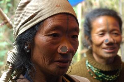 Apatani_tribal_women