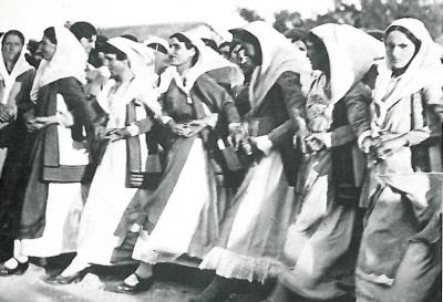 Women dancing the Tráta at Vilia on Mount Kithairon, Attiki, Greece.