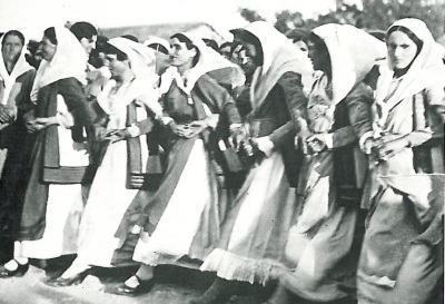Women dancing the Tráta at Vilia on Mount Kithairon, Attiki, Greece.