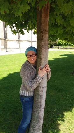 me-hugging-tree