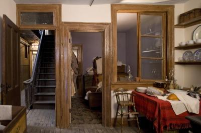 tenement-museum-irish-house-kitchen-and-bedroom